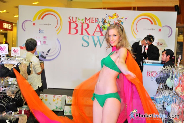 Summer Bra Super Swim at Central Festival Phuket