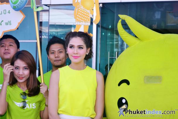 Chompoo Araya visits Central Festival Phuket