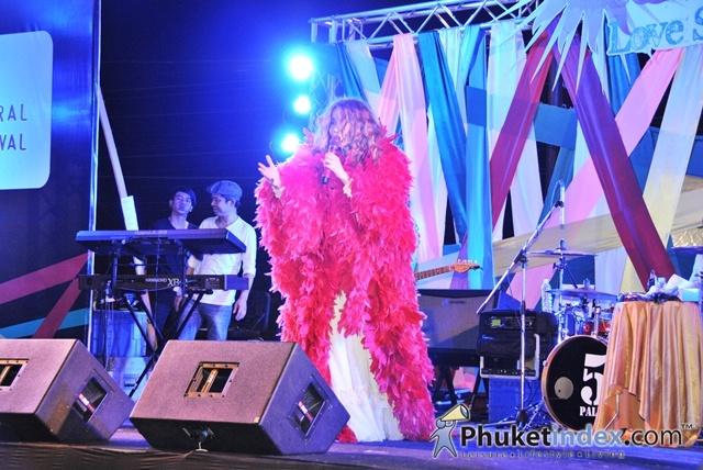 Summer Fest Love Song Concert 2013 @ Central Festival Phuket