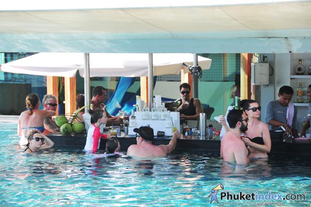 B WET POOL-PARTY at the B-Lay Tong