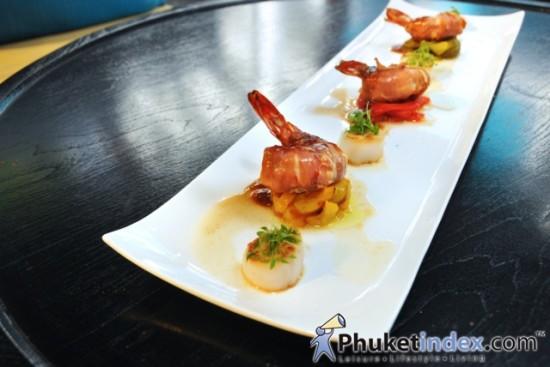 76 Bar Drink & Dine at The Nap Patong