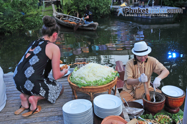 Renaissance Phuket floating night market
