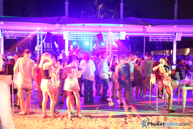 "Xana beach club presented ""Full moon party volume 1"""