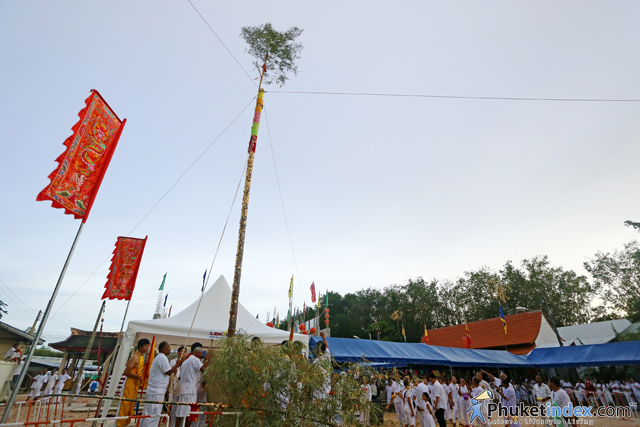 The Go-Teng poles rising ceremony at Tee Kong Tua Shrine