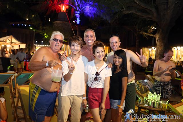 01paradise beach club