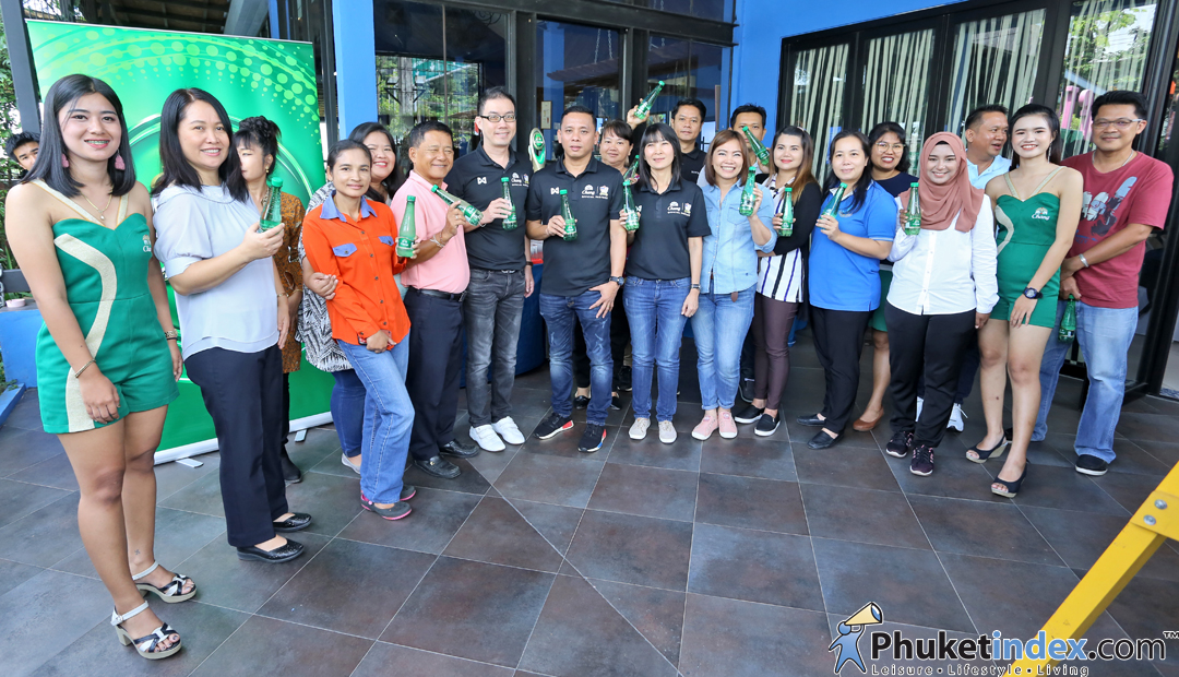 Chang thanks press at Chain of Love Restaurant, Phuket