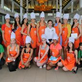 Cooking Class – Miss Universe New Zealand Finalists 2019 in Phuket
